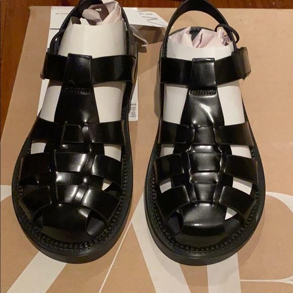 Zara black fisherman sandals